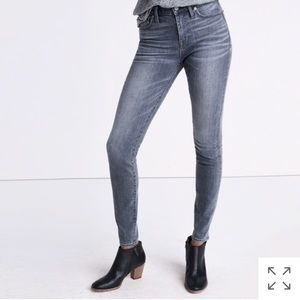 "Madewell 9"" high rise skinny jeans in Shaw wash"